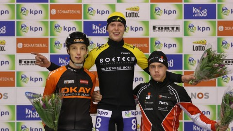 podium-b
